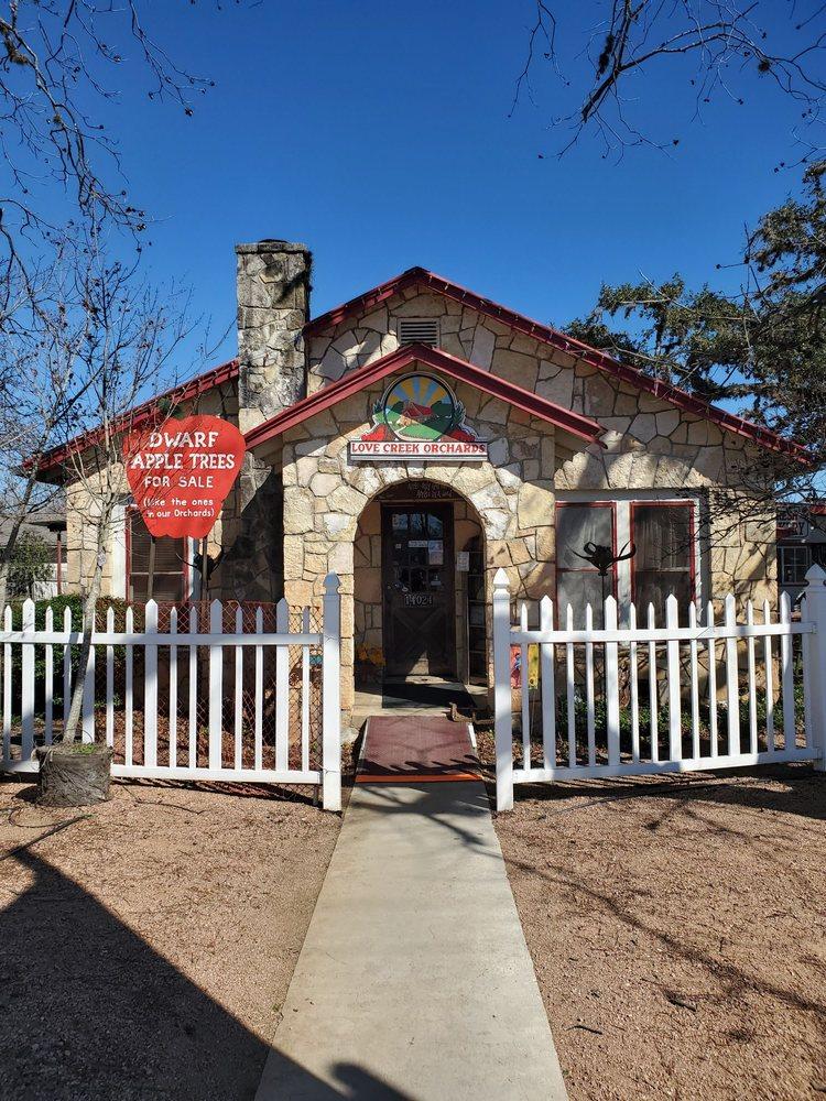 Love Creek Orchards: 14024 State Hwy 16 N, Medina, TX