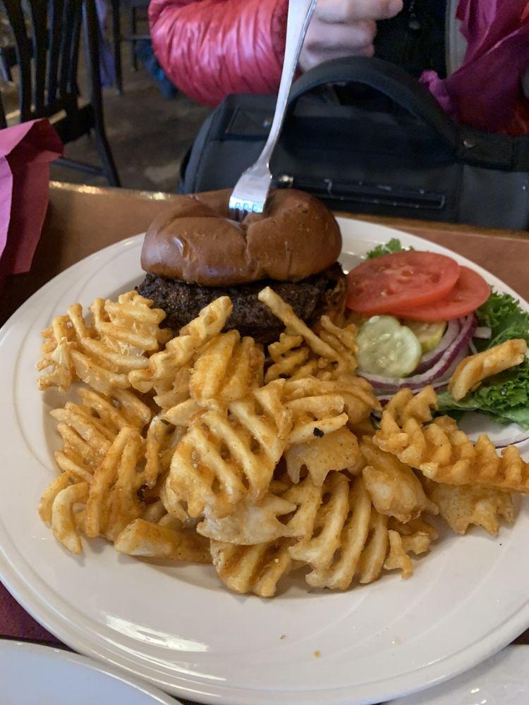 JJs Rocky Mountain Tavern: 102 Wheeler Cir, Frisco, CO