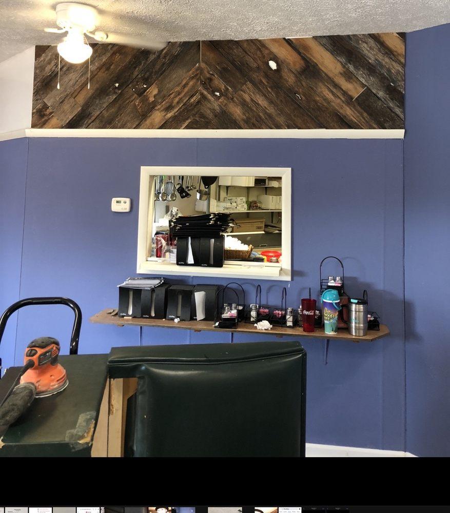 Phipps Bend Country Kitchen: 3039 Highway 11W, Surgoinsville, TN