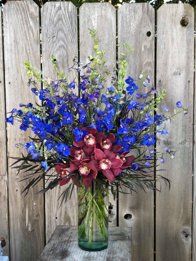 McKinleyville Florist: 1532 City Center Rd, Mckinleyville, CA