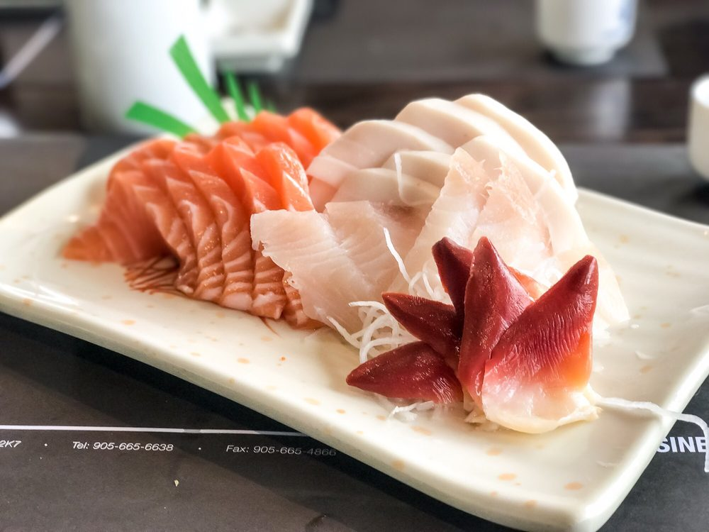 Salmon white tuna surf clam and mackerel sashimi super for Best fish for sushi