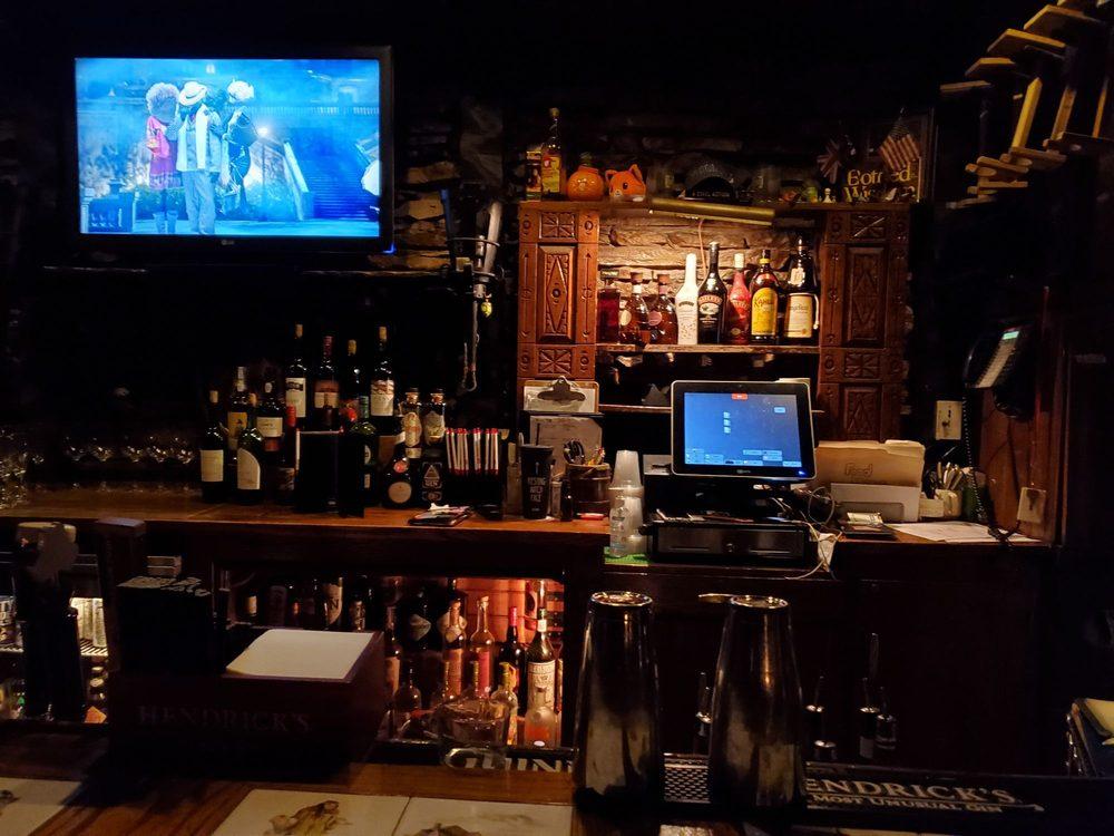 Fox & Hounds Tavern: 6300 Clayton Rd, Saint Louis, MO