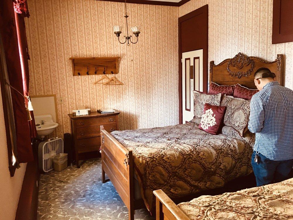 Murphys Historic Hotel: 457 Main St, Murphys, CA