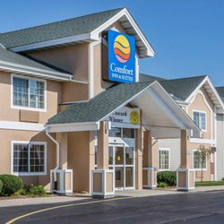 Photo Of Comfort Inn Suites Jackson West Bend Wi United