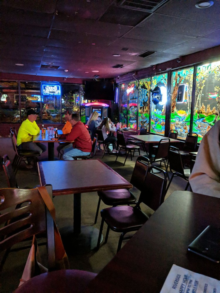 Riverside Bar and Grill: 4021 Jerry Murphy Rd, Pueblo, CO