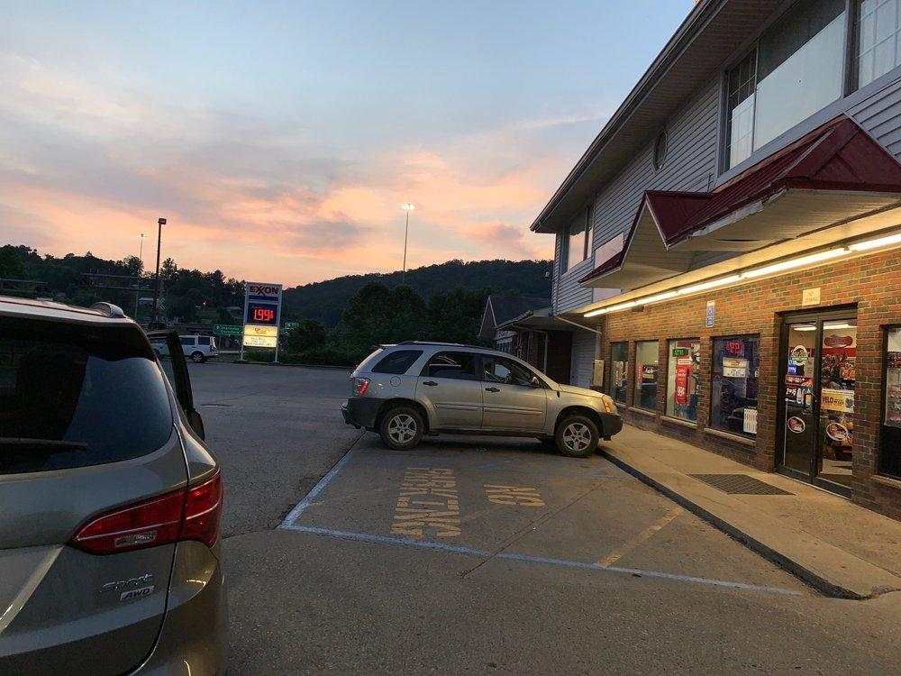 Exxon: 153 5th St, Burnsville, WV