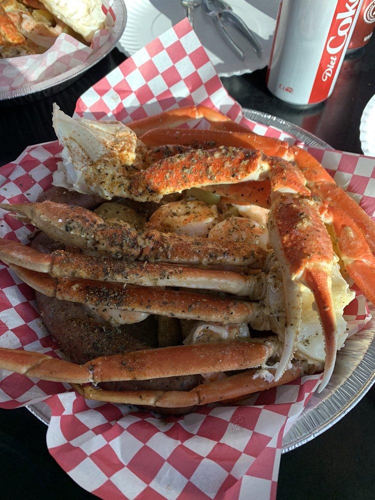 Big Al's Crab Shack: 502 N 3rd St, Ozark, MO
