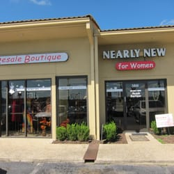 Nearly New Resale Boutique logo