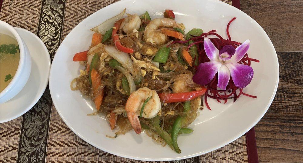 168 Thai & Sushi Restaurant