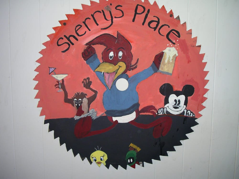 Sherry's Place: 304 W Bridge St, Keytesville, MO