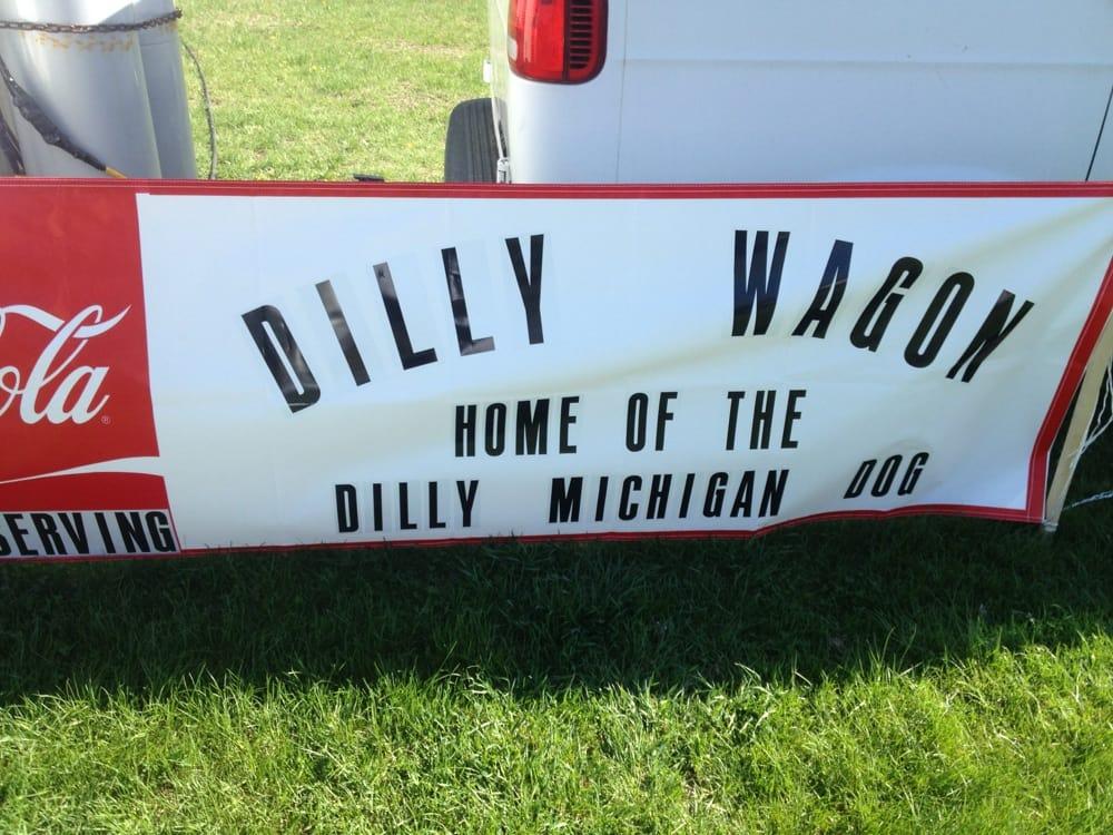 Dilly Wagon Food Cart: 135 River Rd, Milton, VT