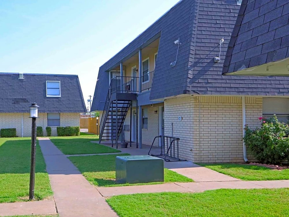 Greenswest Apartment: 2111 NW Lindy Ave, Lawton, OK