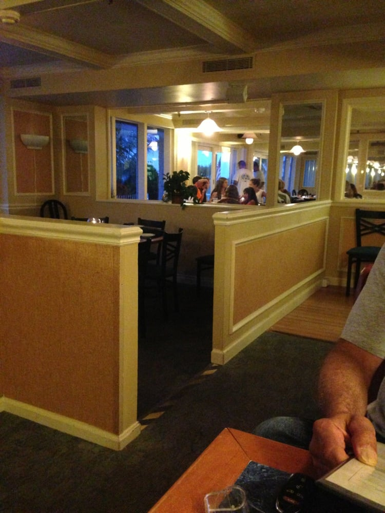 Seasons Restaurant and Lounge: 118 Ocean Dr # &, Ocean City, MD