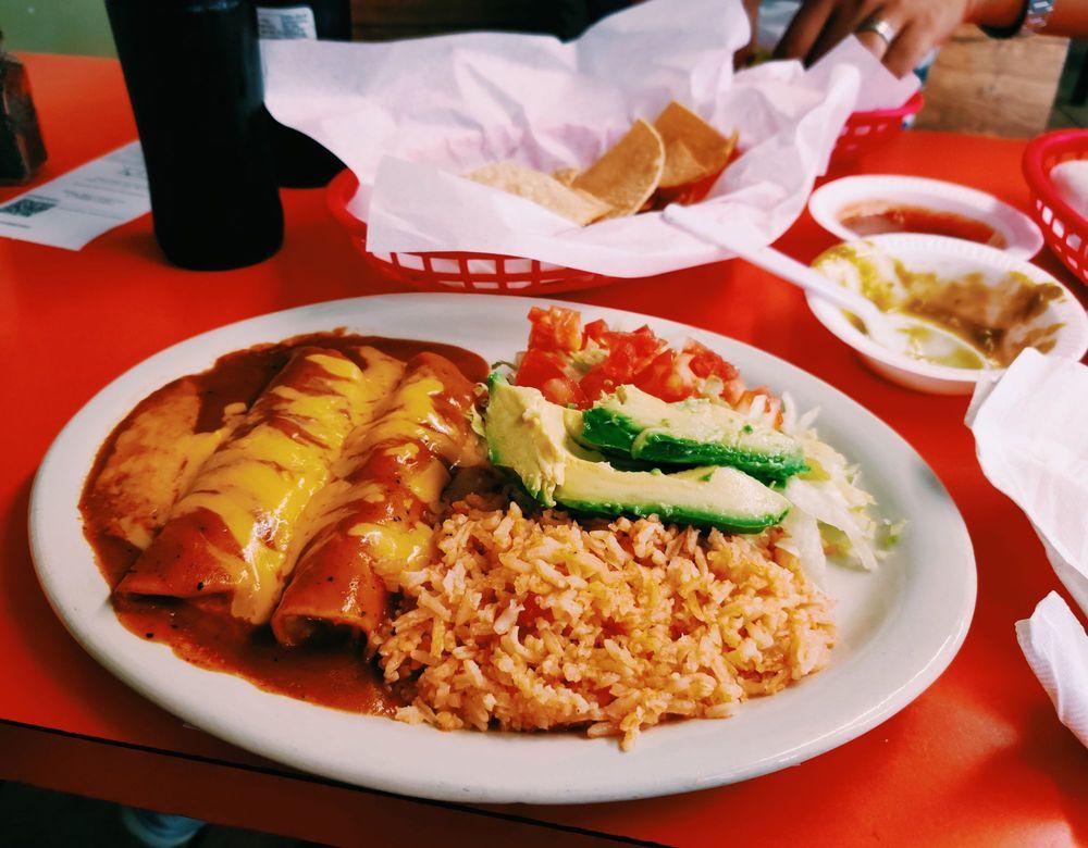 Matamoros Taco Hut: 201 N St Joseph St, Gonzales, TX