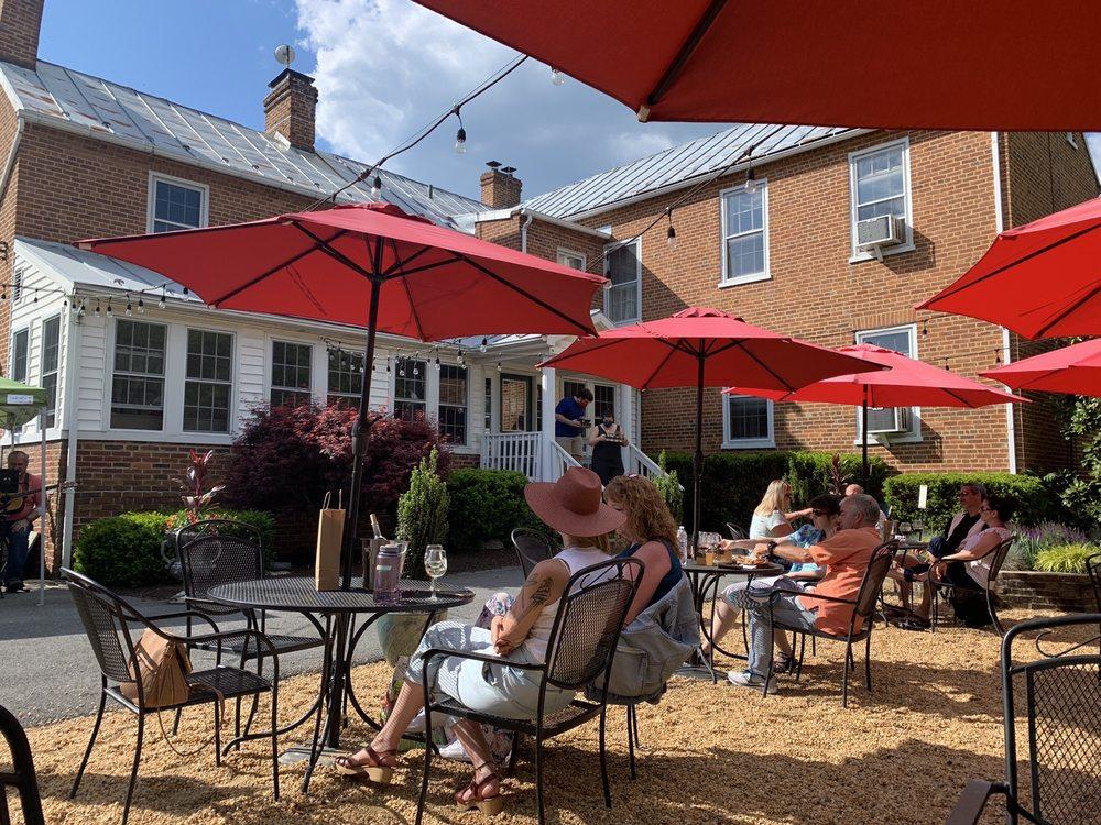 Valerie Hill Vineyard & Winery: 1687 Marlboro Rd, Stephens City, VA