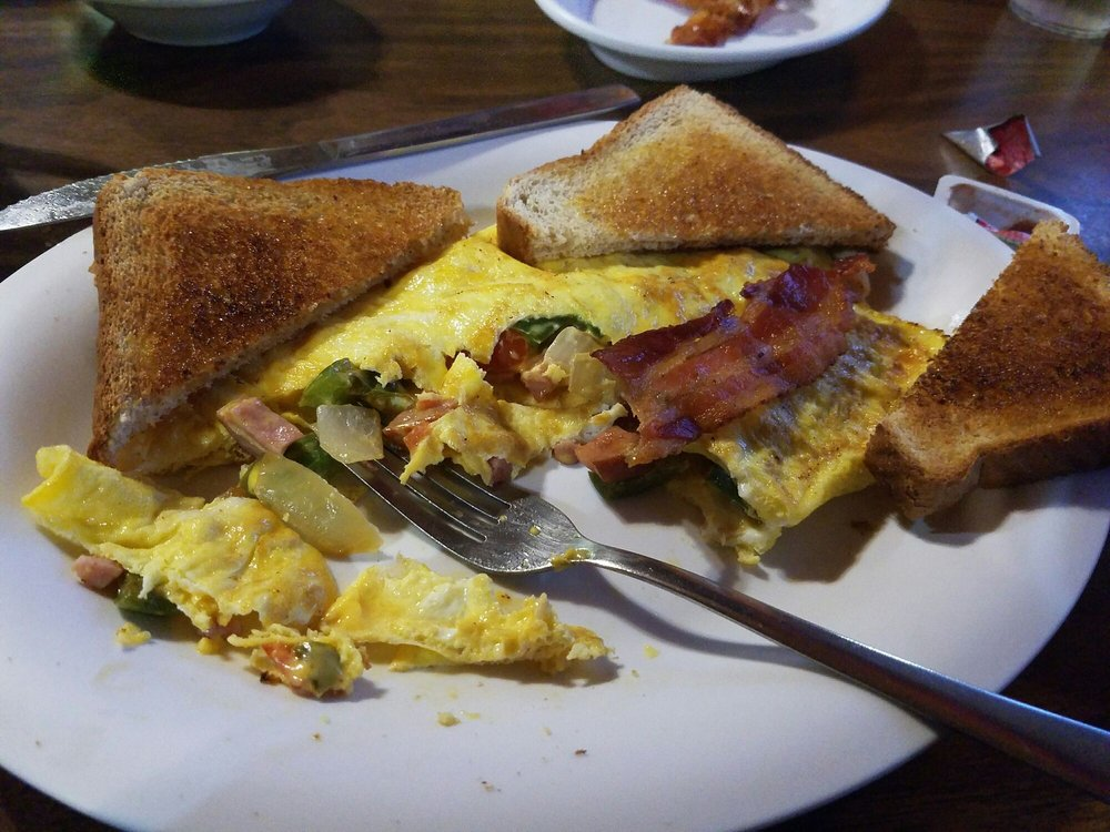 D's Diner: 401 College Ave, Quincy, IL