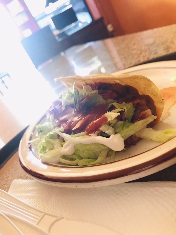 La Cabaña Restaurant: 416 Center St, Taft, CA