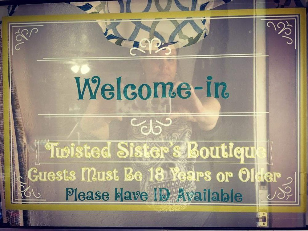 Twisted Sisters Boutique: 493 S Main St, Camp Verde, AZ