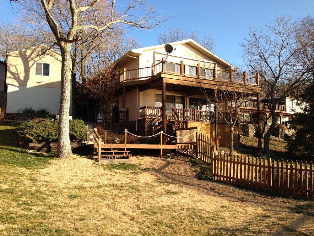 Eagle's Nest Resort Properties & Mgt: 33431 Evanston Rd, Sunrise Beach, MO