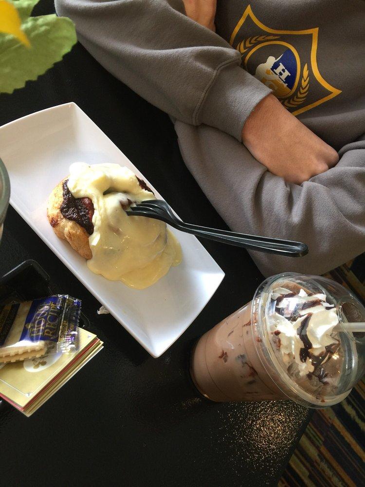 Mug Shotz Cafe: 118 Main St W, Ahoskie, NC