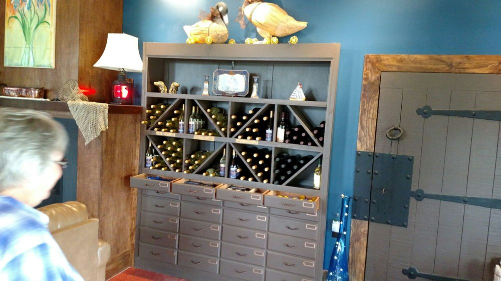 White Caps Winery: 11544 County Rte 125, Chaumont, NY