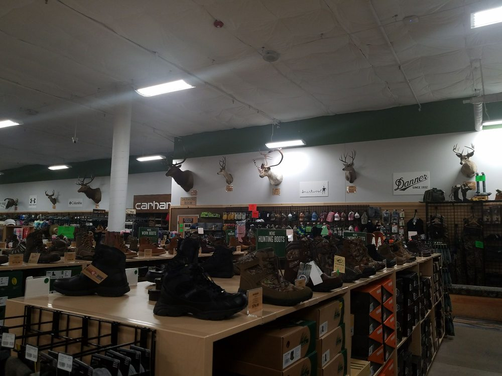 Sportsman's Warehouse: 765 East Ave, Chico, CA