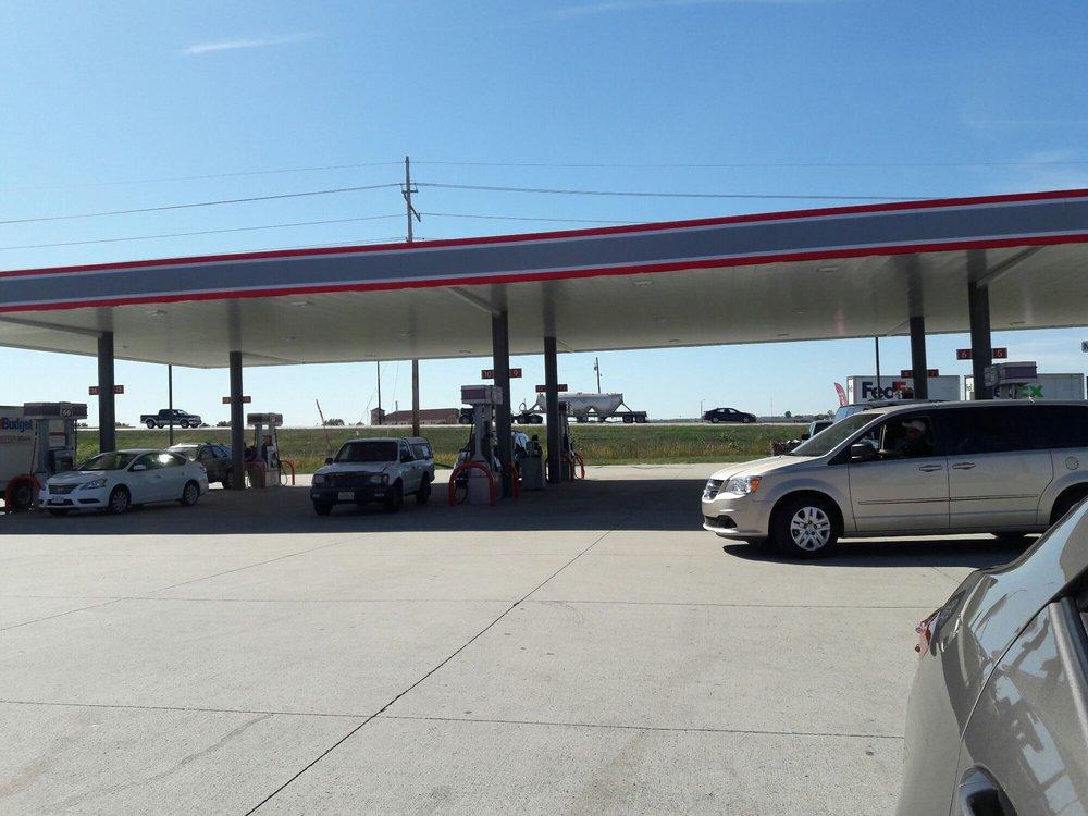 Eddies Travel Center: 9810 Perrin Rd, Mascoutah, IL