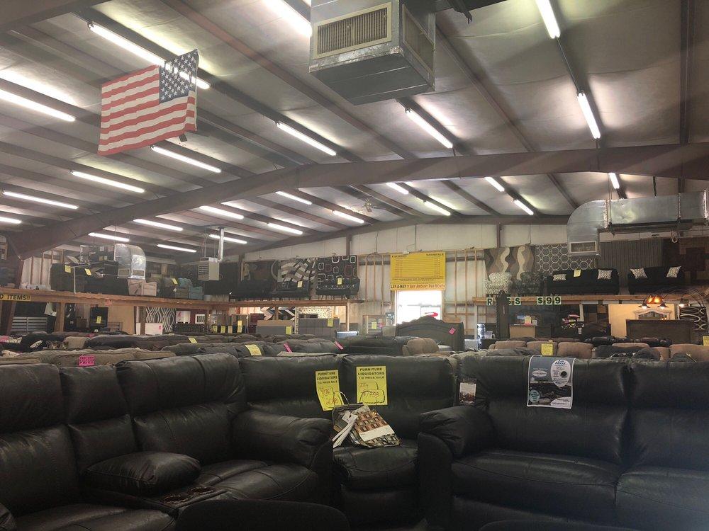 furniture liquidators - magasins de meubles - 826 lillington
