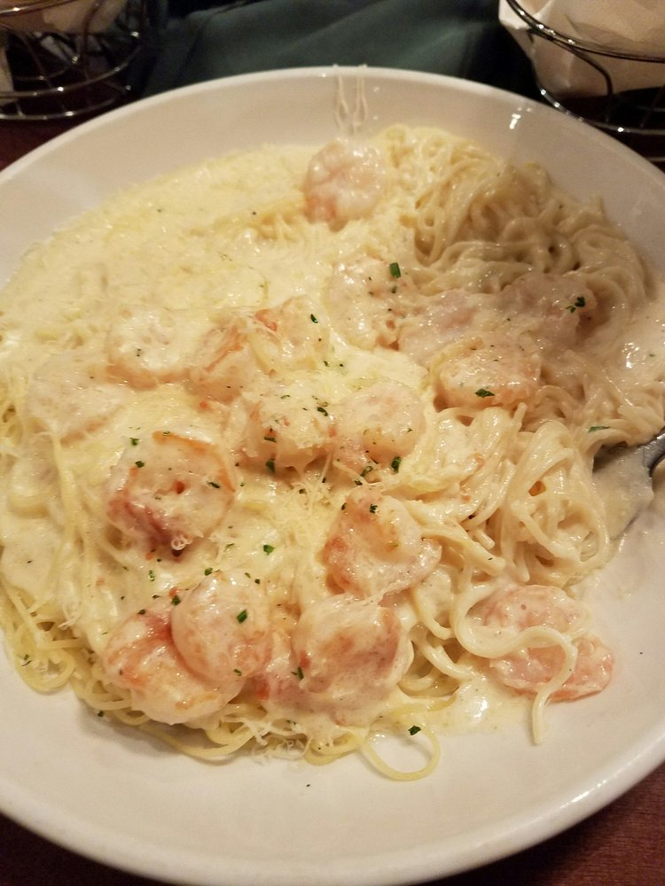 Shrimp Alfredo With Angel Hair Pasta Soooo Much Food In One Serving