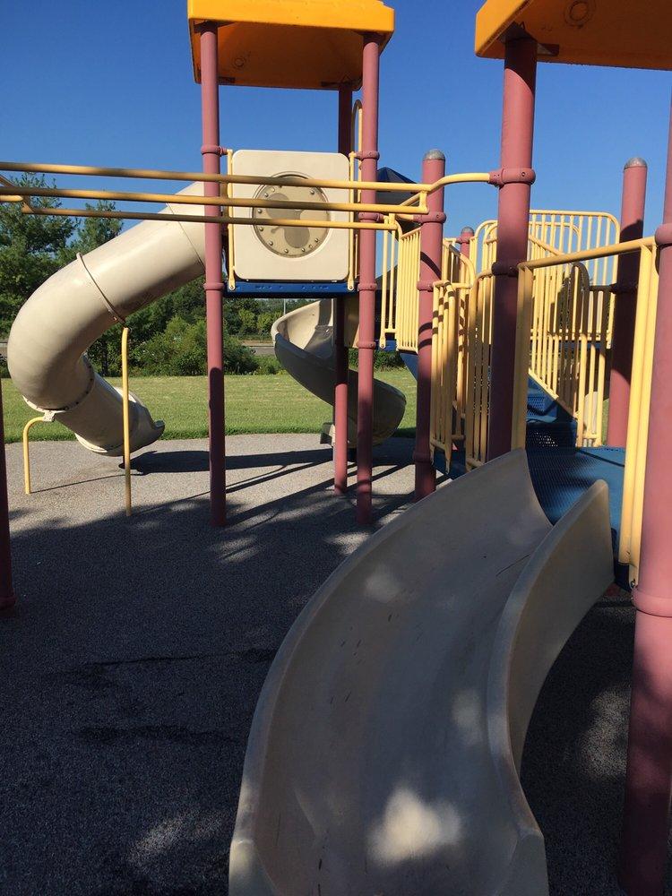 Louvenia Mathison Community Lake Park: 8940 Ramona Lake Dr, St. Louis, MO
