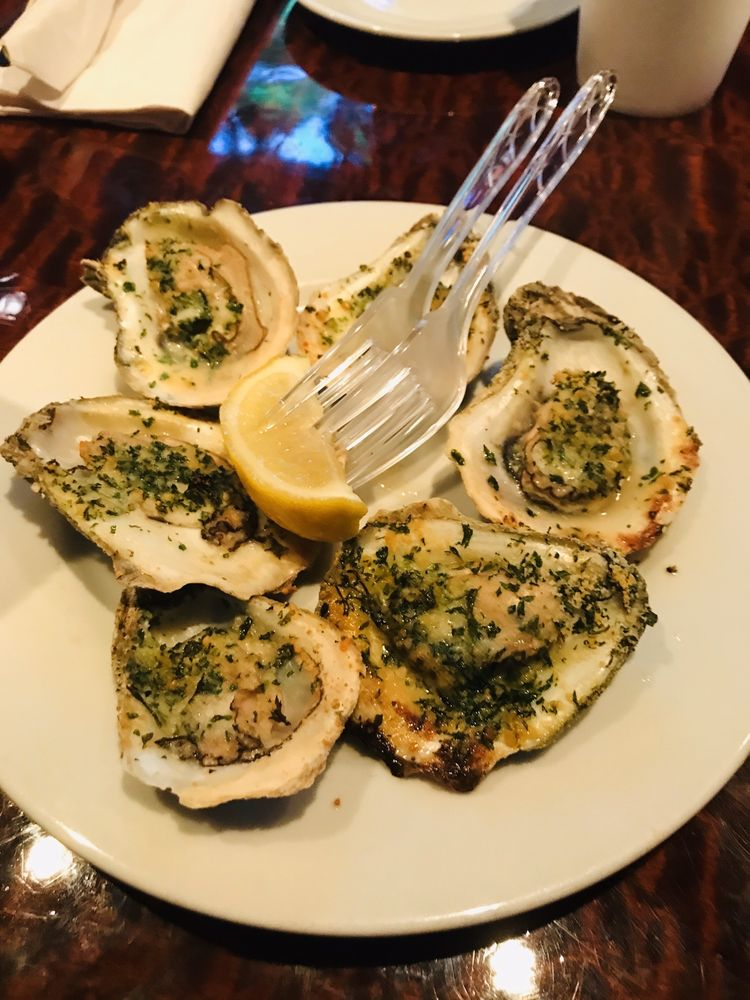 Social Spots from Catch 228 Oyster Bar & Grille