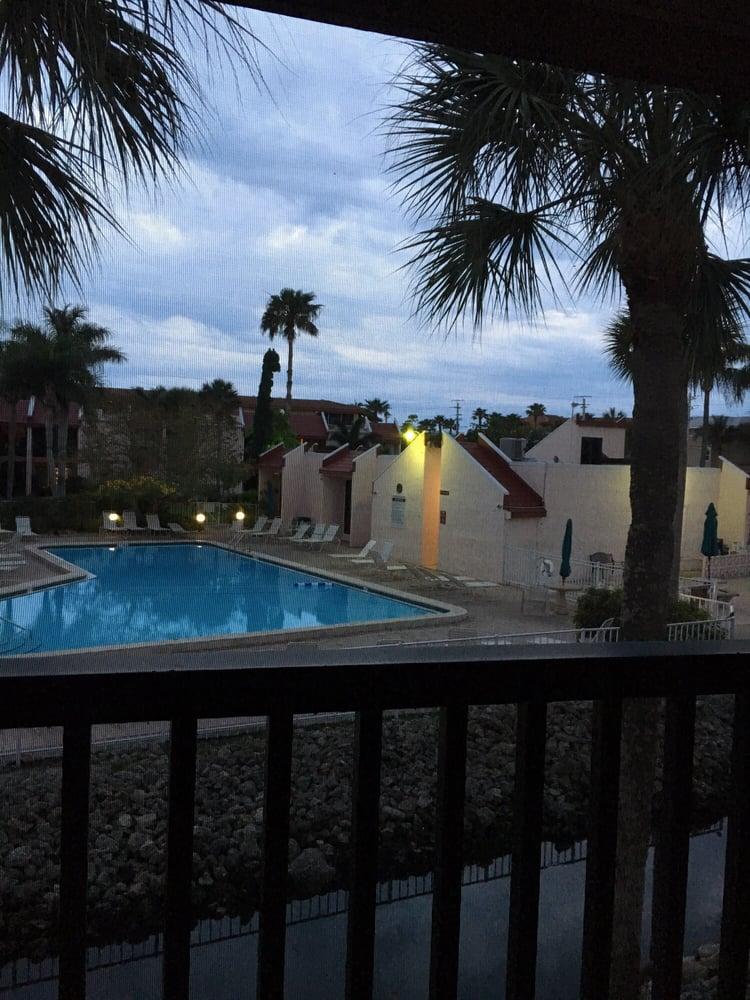 Runaway Bay Condominiums: 1801 Gulf Dr N, Bradenton Beach, FL