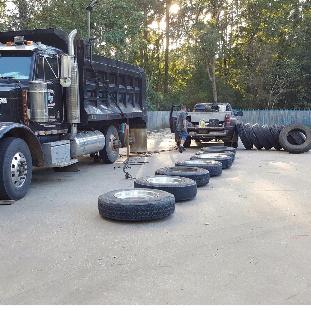 F & G Tire Repair: Cleveland, TX