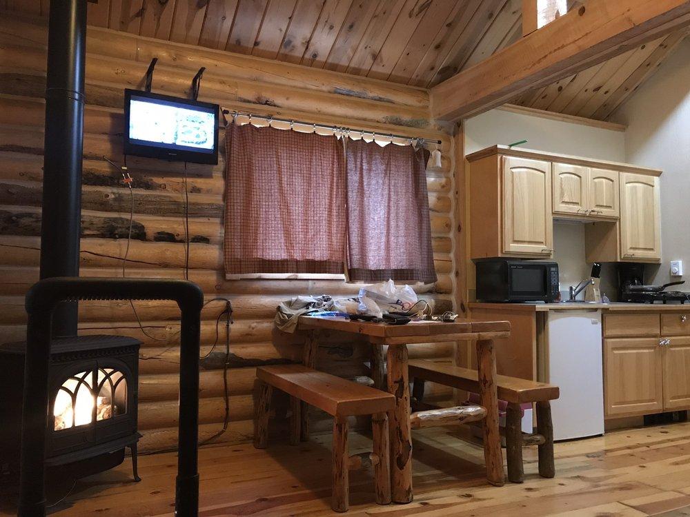 Muddy Creek Cabins: 315 Riverlane, Kremmling, CO