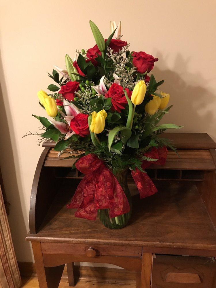 Flowers West Inc: 3344 Cobb Pkwy, Acworth, GA