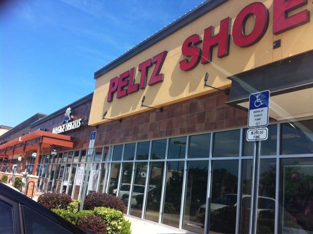 Peltz Shoes Sarasota Store