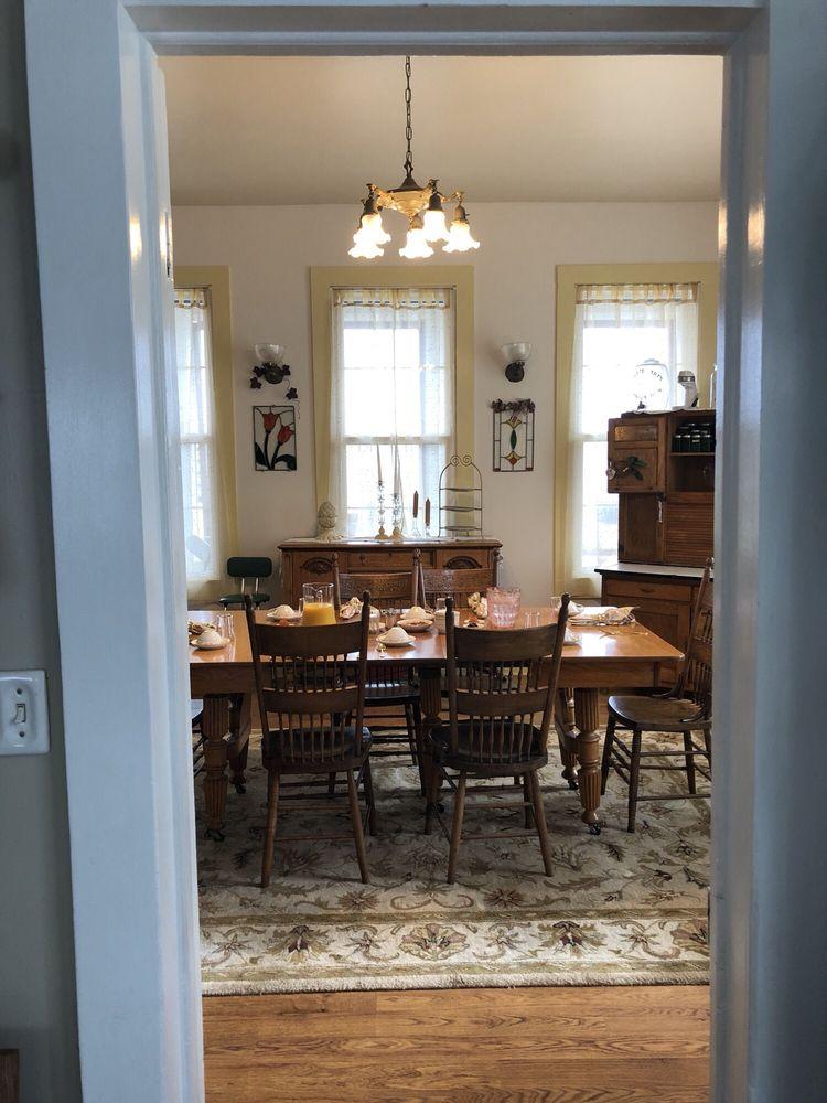 Crosby House Bed & Breakfast: 364 Bond St, Astoria, OR