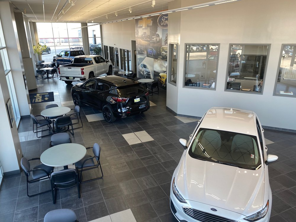 Lynch Ford Chevrolet: 410 Business 30 SW, Mt. Vernon, IA