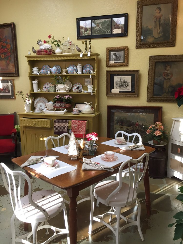 Finds! English Tea Room: 901 S Water St, Burnet, TX