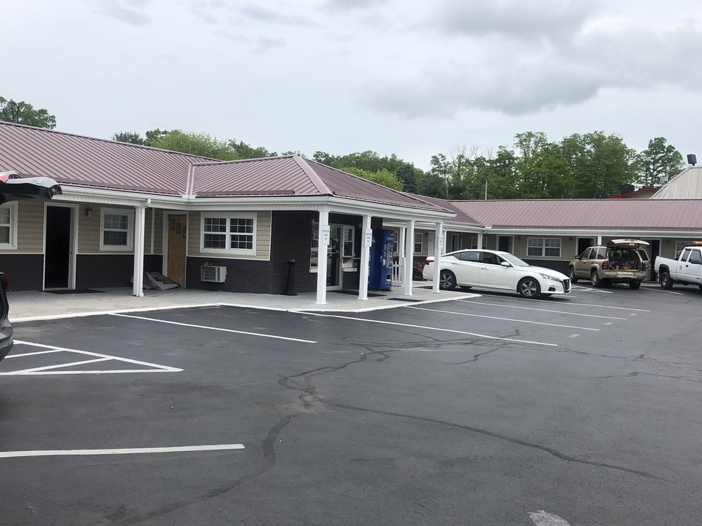Turnpike Motel: 815 Oakvale Rd, Princeton, WV