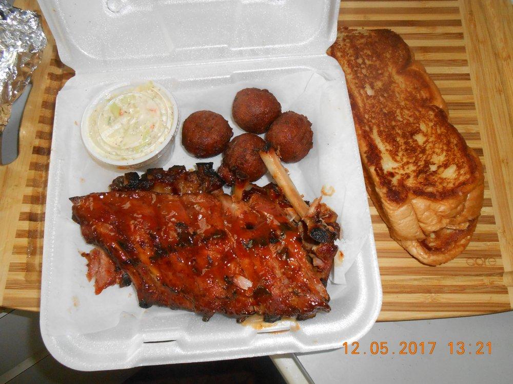Mr BBQ: 2814 Lee Blvd, Lehigh Acres, FL