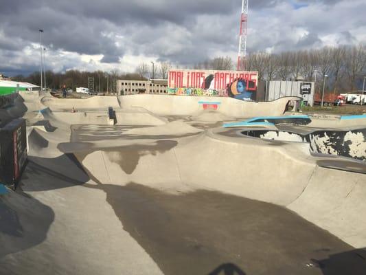skatepark skate parks douaneplein mechelen antwerpen belgium