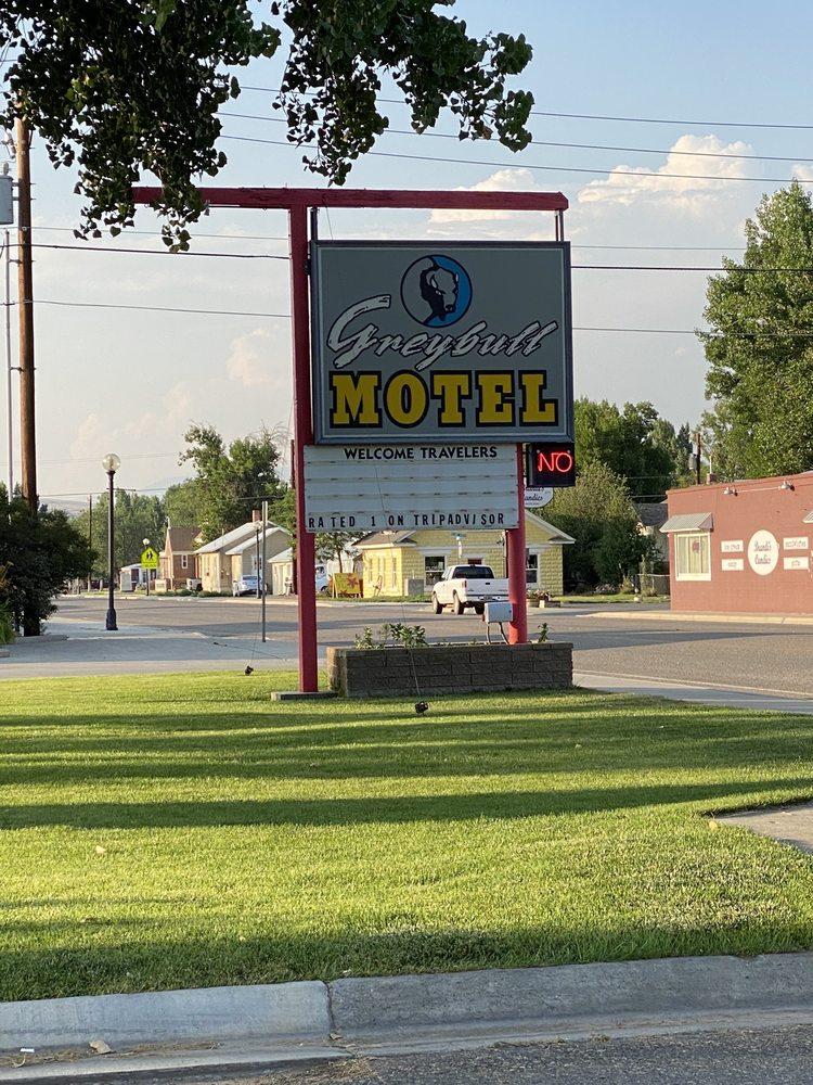Greybull Motel: 300 N 6th St, Greybull, WY