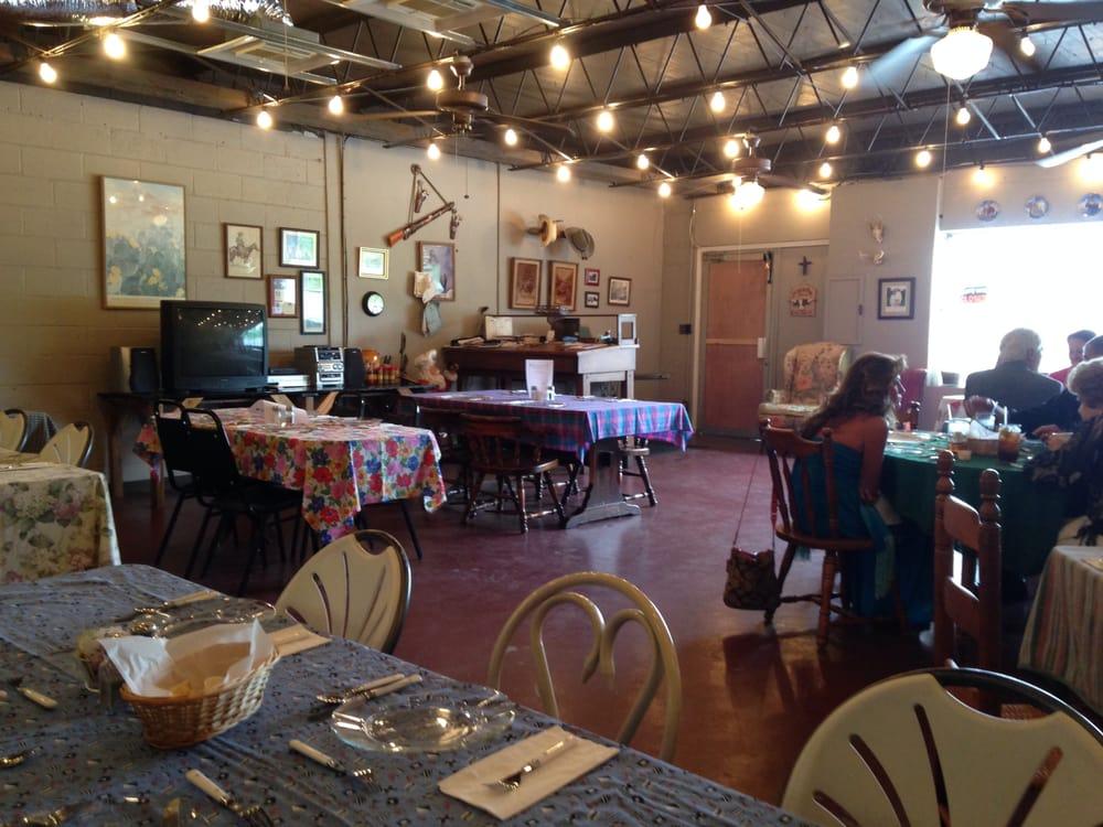 Alpine Cafe: 3589 Gristmill Rd, Alpine, AL