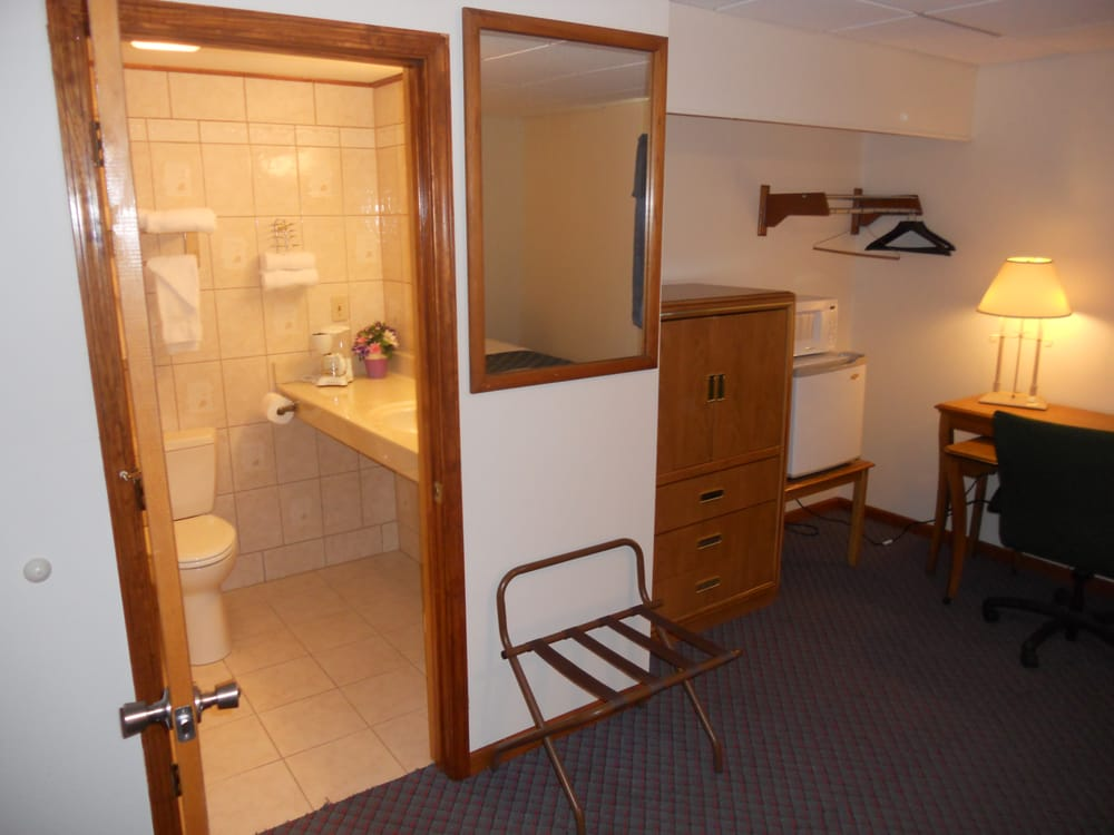 Travelier Motel: 600 Business 54 S, Fulton, MO