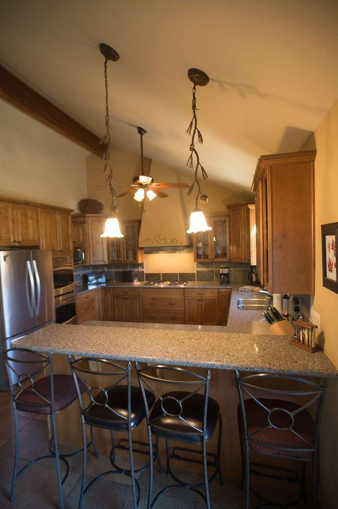 Antler Ridge Cabins: 87 Main St, Greer, AZ