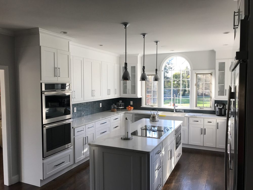 Hope Kitchen Cabinets & Stone