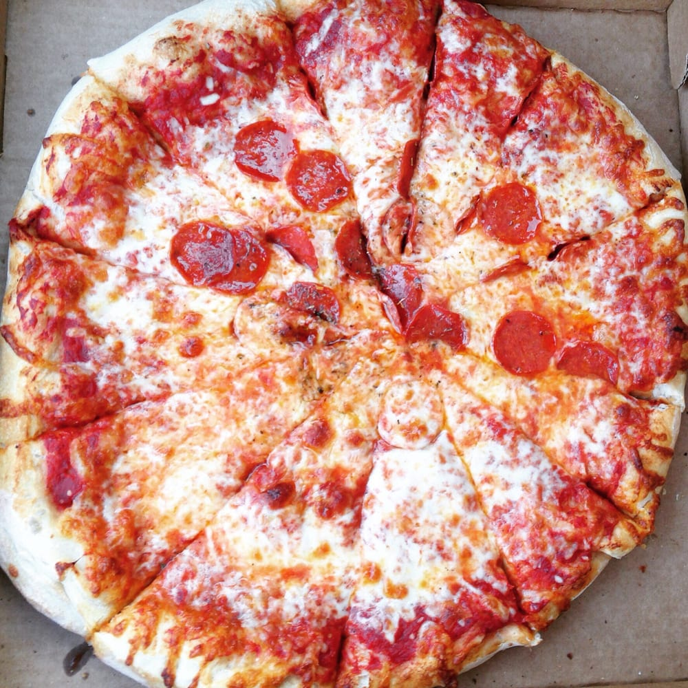 pizza and how it has evolved Since its inception, the humble pizza has evolved into a worldwide delicacy the term 'pizza' was first coined in the 10th century for a flatbread with tomato sauce and cheese.
