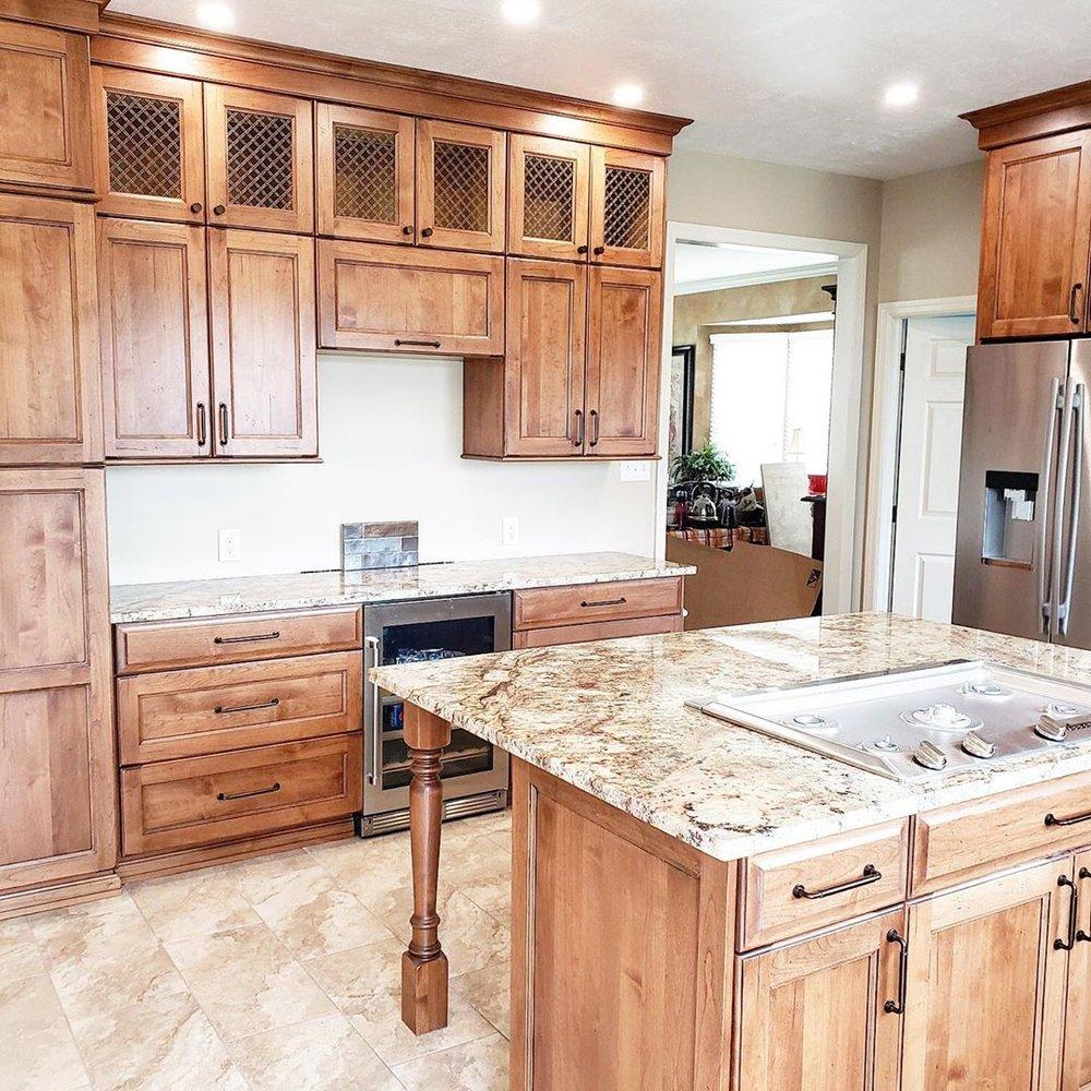 Phoenix Granite: 825 Evergreen Rd, Leechburg, PA