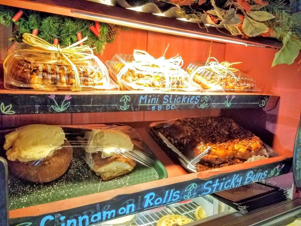 Janet S Cafe Alpine Hours